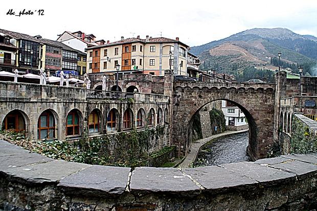 El rio Deva, y uno de los puentes de Potes